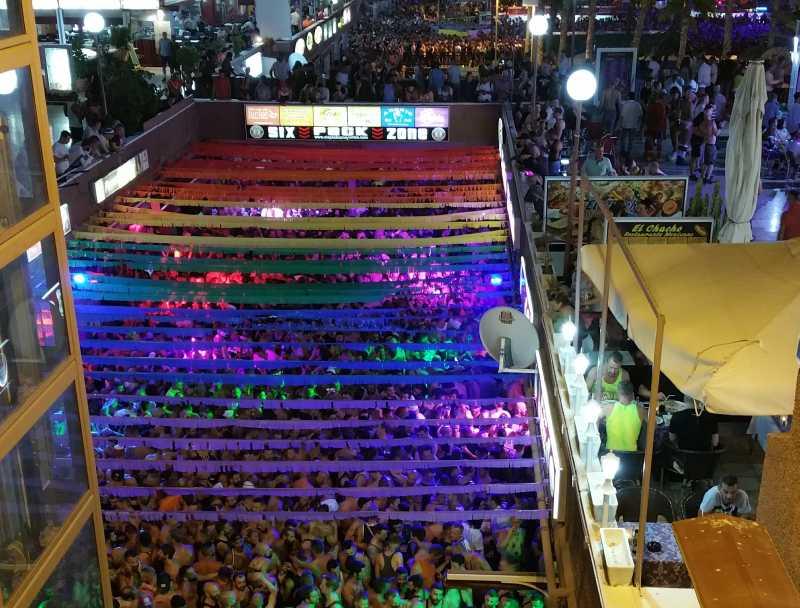 Gay Pride Maspalomas Feiern und Tanzen
